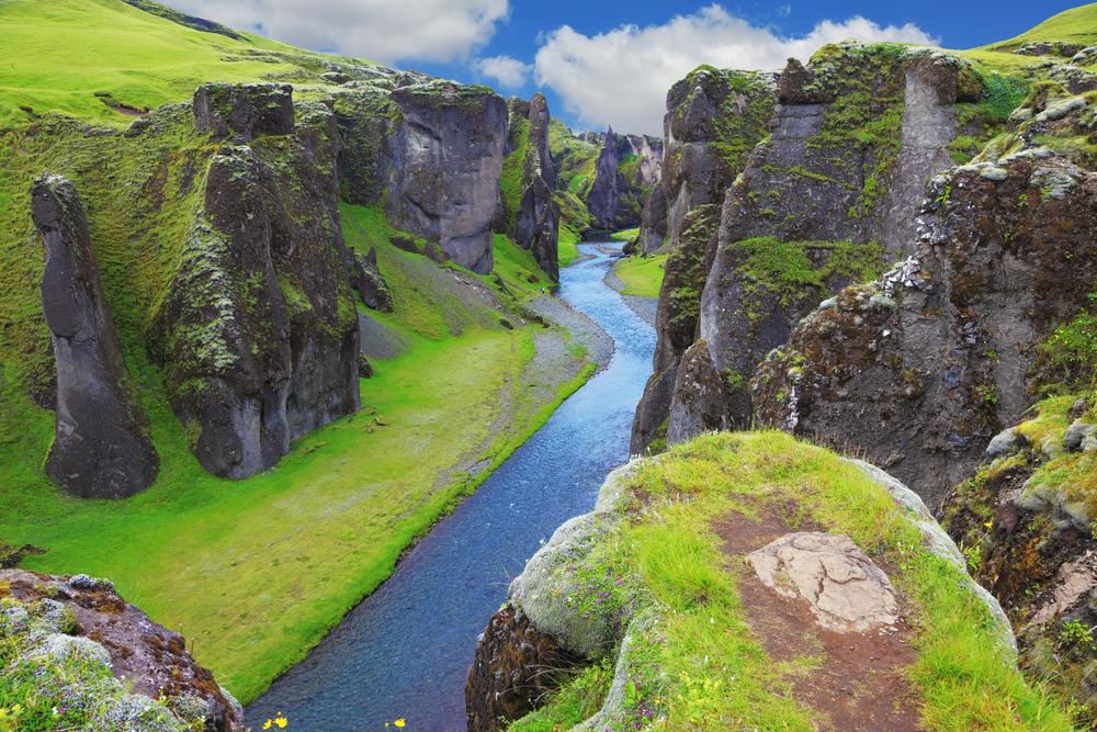 Earth Guide- Iceland.
